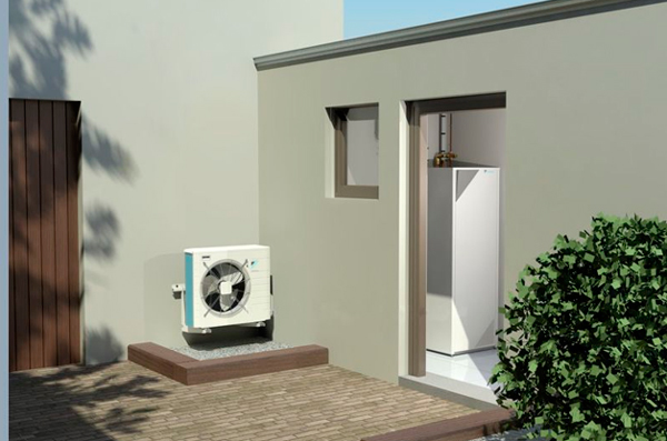 Pompe à chaleur en façade avec ballon d'ECS à l'intérieur