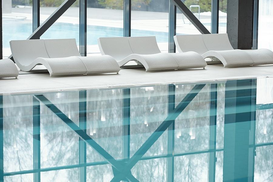 piscine intérieure maison véranda